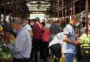 Piețele continuă activitatea, ca și transportul interurban, și cele 3 întreprinderi mari de producție