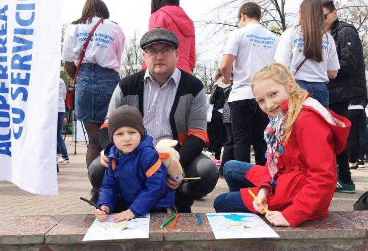 Tații în concediu de îngrijire a copiilor: o experiență care ia amploare în Moldova