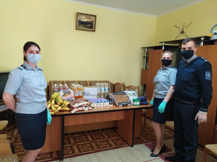 Angajații DR SUD a Poliției de Frontieră au venit cu fructe și dulciuri pentru copii