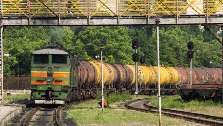 Circulația unui tren marfar, sistată din cauza creșterii nivelului de apă în Prut și Nistru