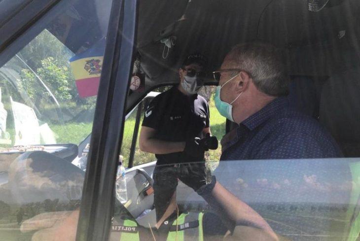 Polițiști și angajații ANTA verifică transportul public interurban din raionul Cahul //FOTO