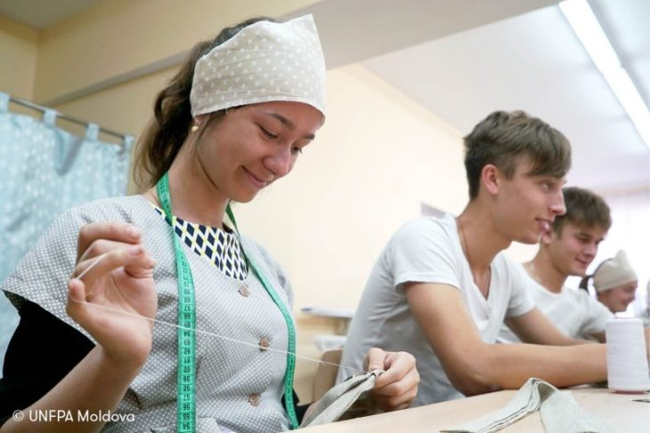 Elevii din învățământul profesional tehnic vor fi mai bine pregătiți pentru piața muncii prin dezvoltarea abilităților de viață
