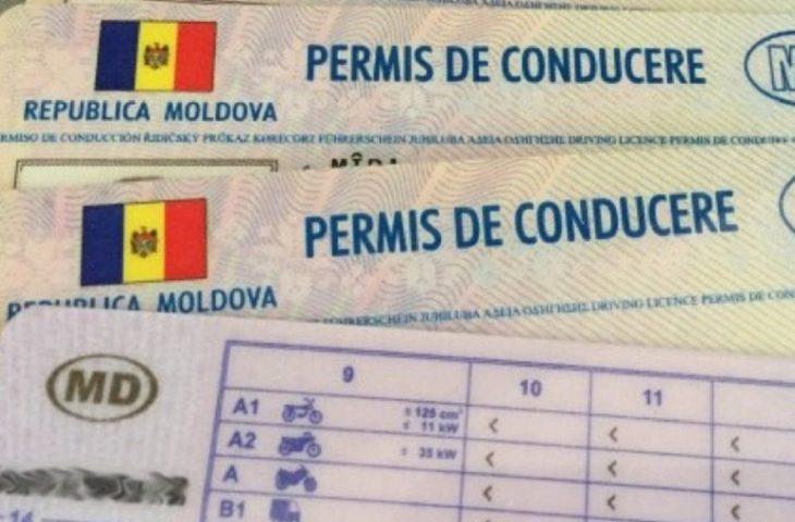 Doi moldoveni, documentați pentru deținerea actelor false