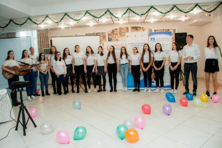 Tinerii din Moldova sunt felicitați astăzi de oficiali: Iată care este prilejul