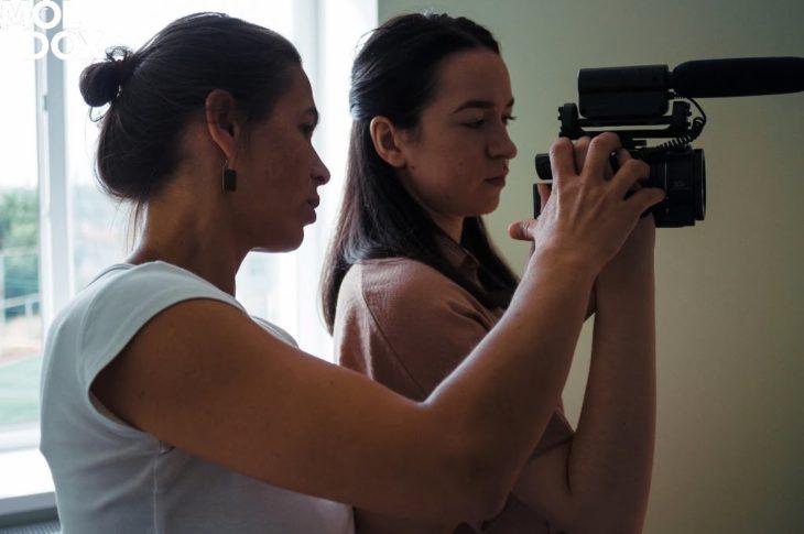 Contribuie la schimbarea în comunitatea ta prin intermediul filmului documentar. Aplică la atelierul EXPLORATION @MOLDOX Lab!