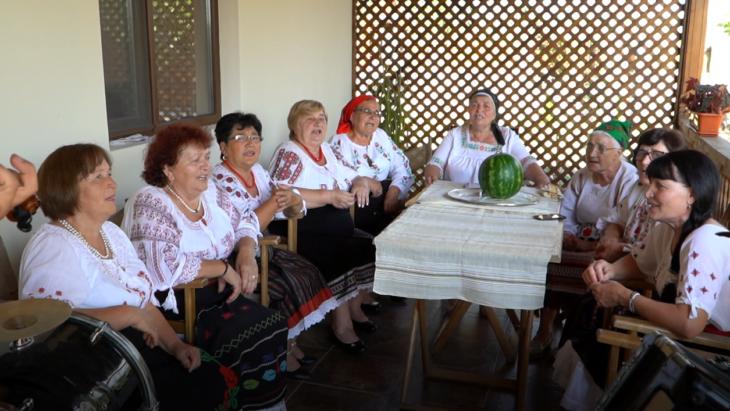 Ansamblu popular format din femei de vârsta a treia din satul Manta, raionul Cahul