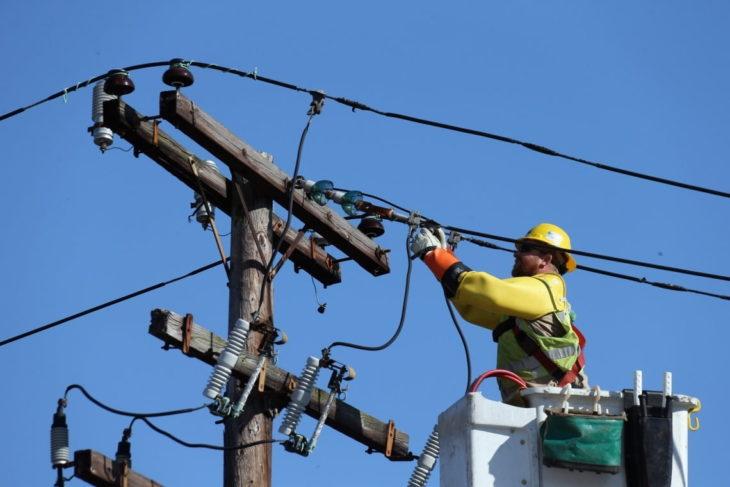 Lucrări programate de întreținere și modernizare a rețelelor electrice în următoarele zile în raionul Cahul. Vezi lista străzilor și satelor