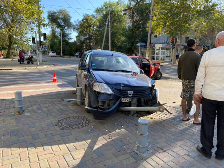 Accident la o intersecție din Cahul/FOTO