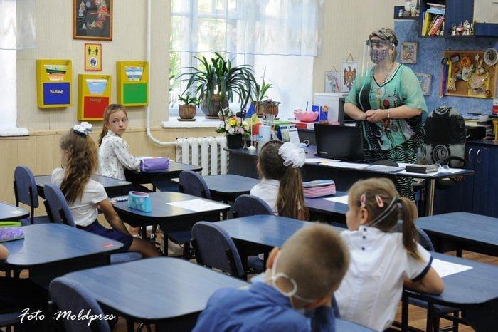 Peste 35 mii de copii au mers anul acesta în clasa I
