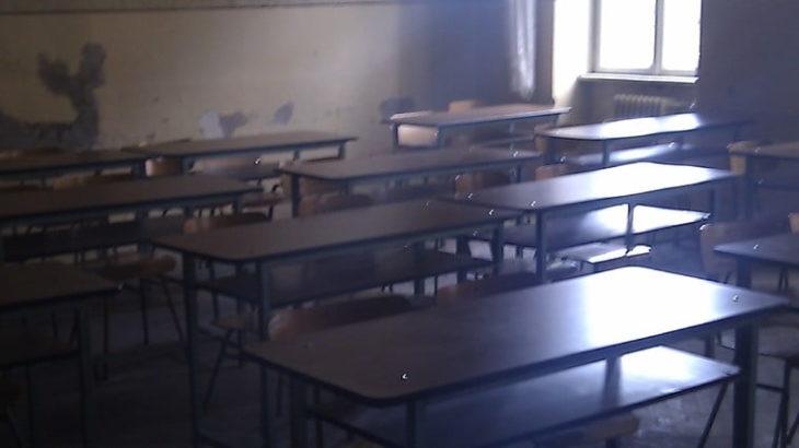 Caz șocant la Cahul. O minoră a încercat să-și ia zilele într-un gimnaziu, după ce ar fi fost abuzată sexual de tatăl său