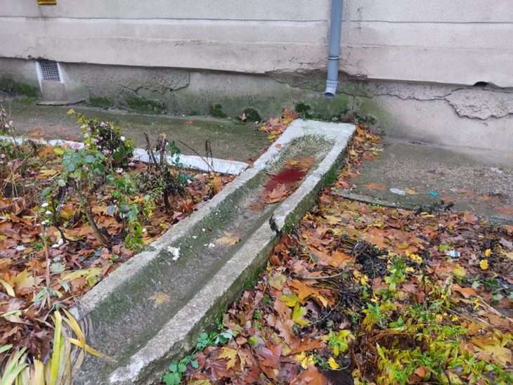 FOTO // Un bărbat  din Cahul a fost găsit mort în curtea blocului unde locuia