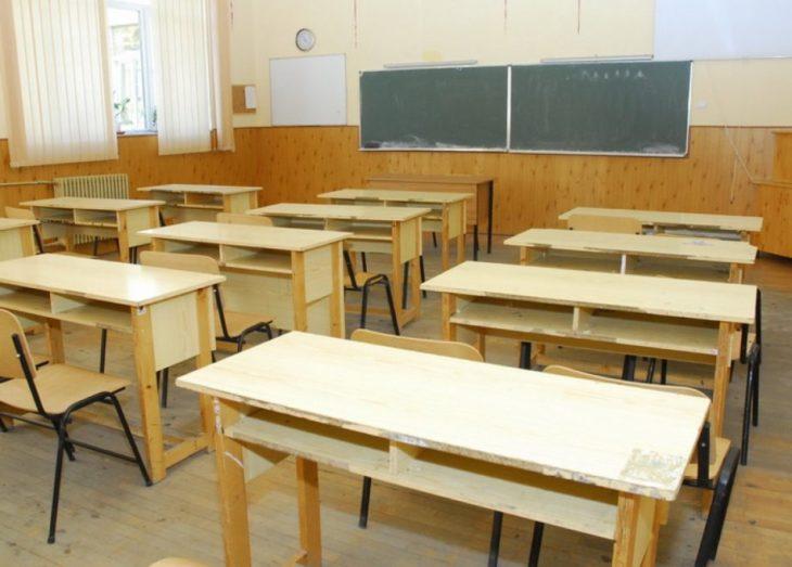 Câți elevi și studenți sunt confirmați cu virusul COVID-19 în țară