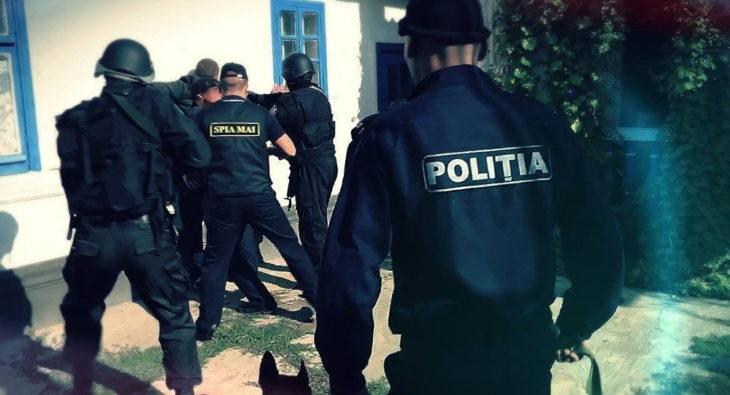Noi detalii despre bărbatul ucis și ascuns într-un beci părăsit, la Drochia. Suspectul era căutat de către polițiștii din Cahul
