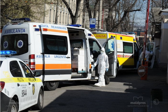 În ultimele zile medicii de pe ambulanță au intervenit la peste 14 mii de solicitări