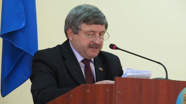 """Avram Micinschi consilierilor: """"Lupta politică în care vom fi antrenaţi în acest an, să nu ne sustragă de la activitatea directă"""
