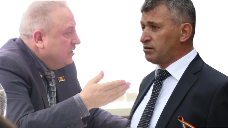 """Lavric comuniştilor: """"Sunteţi împotriva veniturilor la bugetul orăşenesc!"""" Gorilă: """"Votaţi şi nu-l ascultaţi"""""""