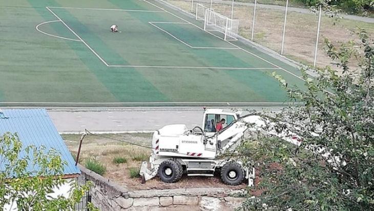 Au băgat buldozerul în stadionul Atlant din Cahul