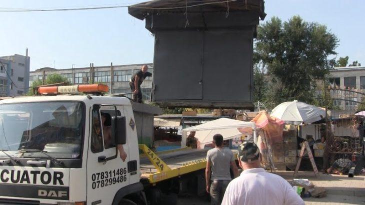 Gheretele din fața Pieței Agricole din Cahul au fost evacuate forțat