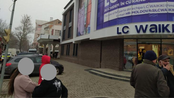 Pompierii au intervenit la un centru comercial din Cahul // FOTO