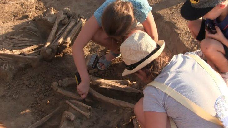 Tinerii sunt interesați de arheologie