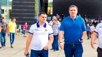 Consilierii raionali Cahul îl îndeamnă pe Sergiu Rența să nu depună mandatul