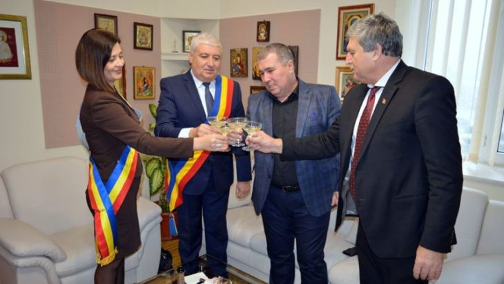 Frații în veci vor fi frați! Raionul Cahul a semnat cu municipiul Giurgiu un acord de colaborare