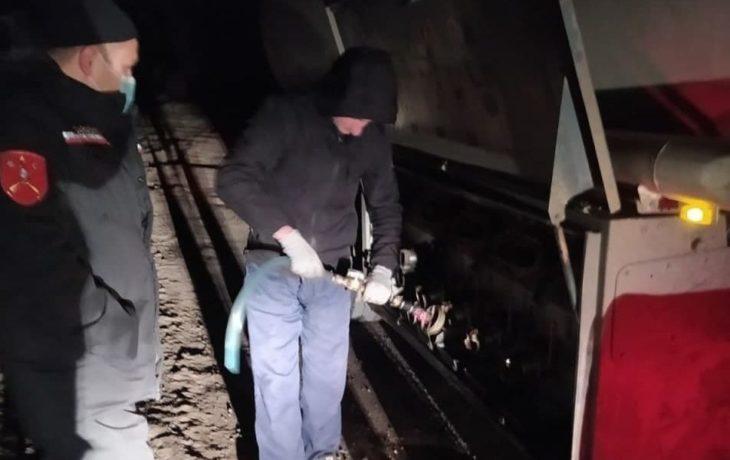 Un tânăr din Comrat, prins de carabinieri în timp ce fura combustibil dintr-o cisternă