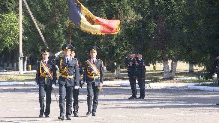 """Soldații Brigăzii """"Dacia"""" au depus jurământul militar"""