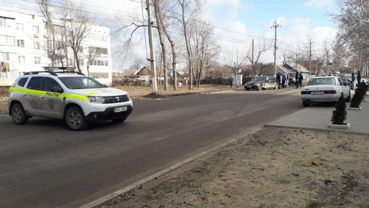 Accident la Cahul. Politia a inchis drumul.