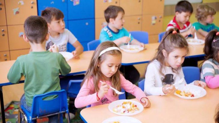 Deficit al alimentelor sănătoase în instituţiile de învăţământ din ţară. Cahul are cel mai mare deficit a consumului de legume