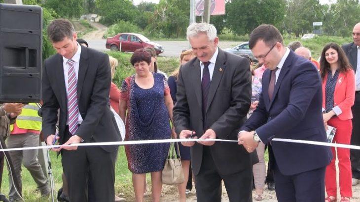 Curând, locuitorii satului Roșu vor beneficia de sistemul de canalizare centralizat
