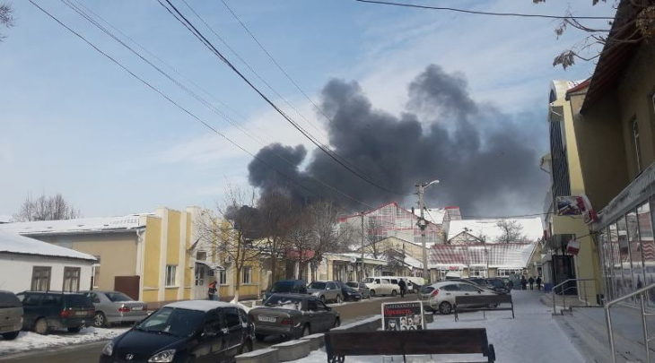 Incendiu la un depozit de materiale de construcții din Cahul