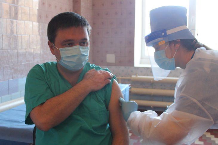 Astăzi a început campania de vaccinare împotriva COVID-19 a medicilor din Cahul