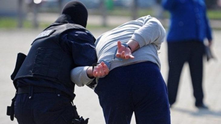 Trei cetățeni români au fost reținuți la Cahul pentru păstrare și consum de droguri