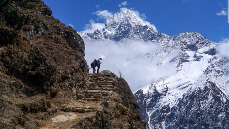 Un grup de sportivi amatori din R. Moldova vor escalada în premieră un munte din Nepal