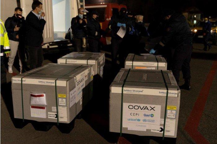 Un nou lot de vaccinuri COVID-19 din partea COVAX a ajuns în R. Moldova
