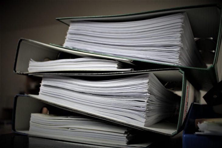 Un avocat din Chişinău a fost reţinut de CNA şi procurorii anticorupţie pentru o mită de 52 de mii de euro