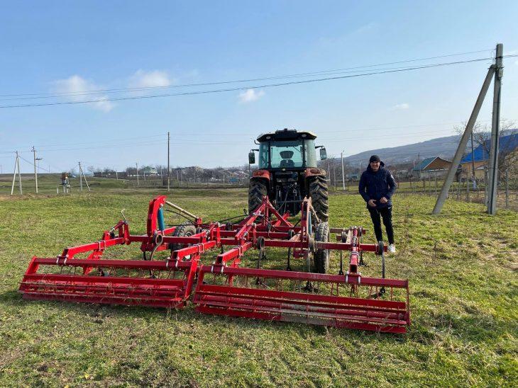 Agricultură mai performantă – un vis împlinit pentru tânărul Dorin Goropceanu din s.Badicul Moldovenesc