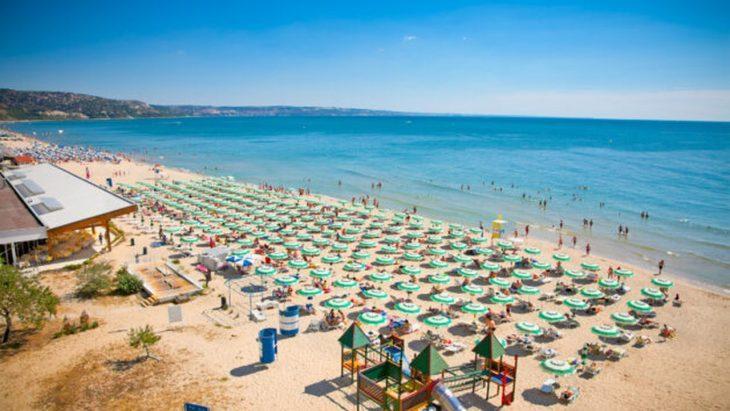Grecia şi Bulgaria primesc turişti care au făcut COVID, fără a mai fi nevoie de teste PCR sau de vaccin. Află ce documente sunt necesare