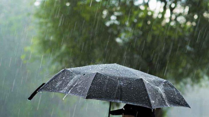 Revin ploile cu descărcări electrice! În weekend, vremea se răcorește cu câteva grade
