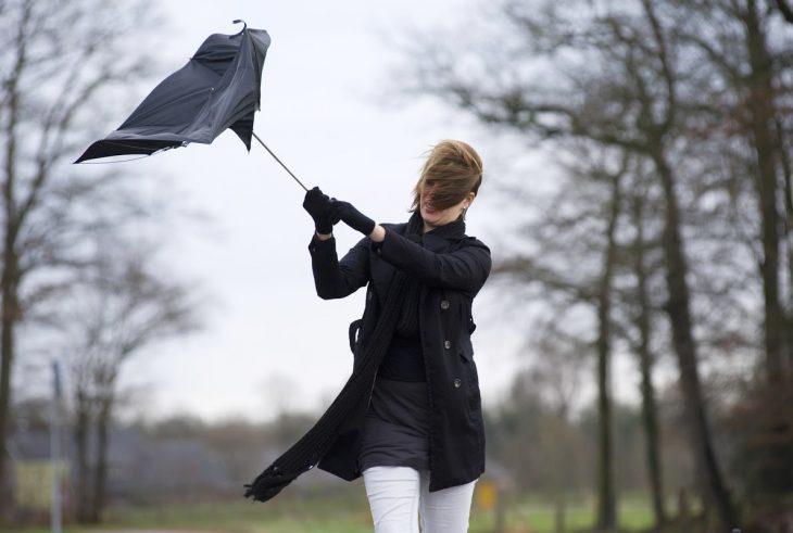 ATENȚIE! Meteorologii au emis COD GALBEN de vânt puternic