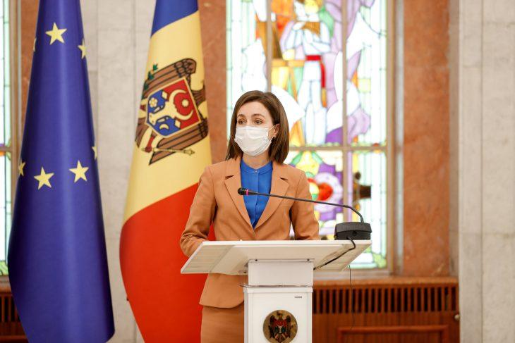 Președintele Maia Sandu a felicitat lucrătorii medicali și farmaciștii /VIDEO