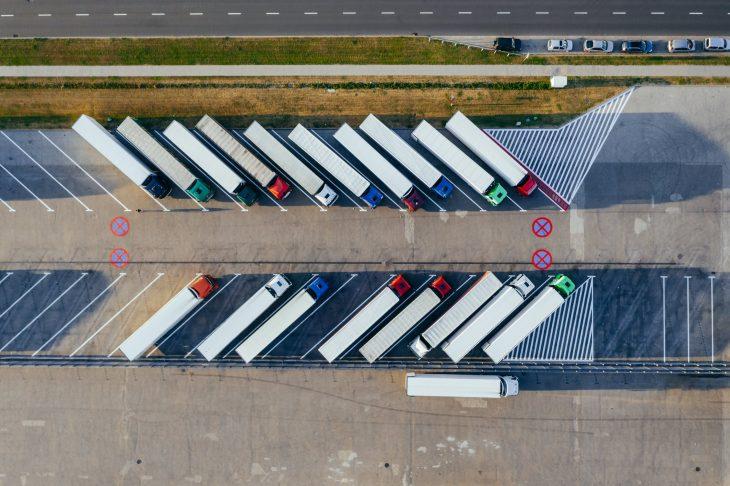 Circulația mașinilor de mare tonaj este restricționată pe drumurile naționale