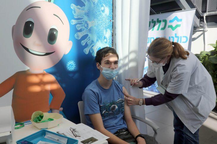 În Galaţi a început vaccinarea anti-COVID a copiilor între 12 şi 15 ani