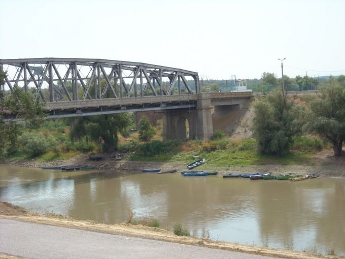 Podul Giurgiuleşti–Galaţi de peste râul Prut ar urma să fie reabilitat. Costul proiectului este de peste 15 milioane de euro