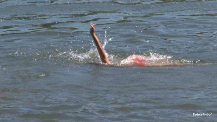 Un minor de 17 ani s-a înecat după ce a plecat la scăldat cu prietenii