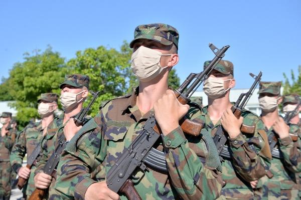 Soldaţii din Bălţi, Cahul şi Chişinău au depus jurământul militar  /VIDEO